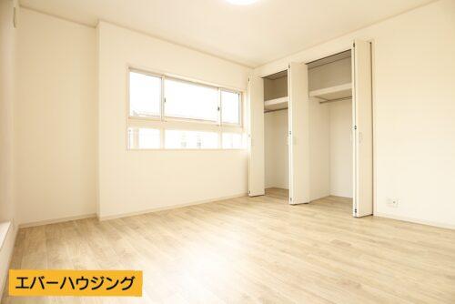 クローゼット収納は各洋室にございます。