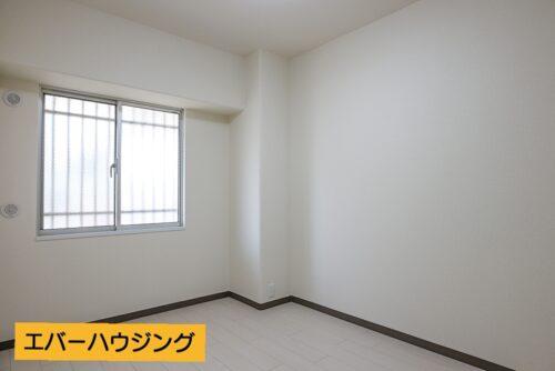洋室4.5畳のお部屋です。