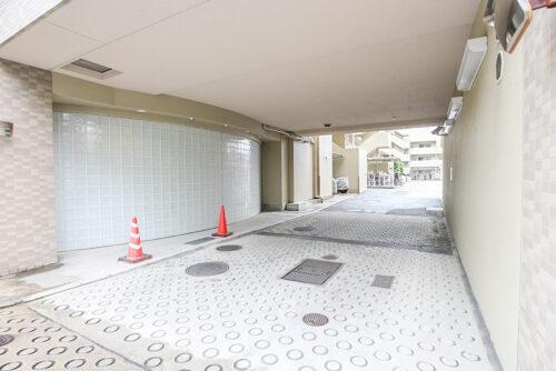 駐車スペース。空きは要確認です。(2021年5月)撮影