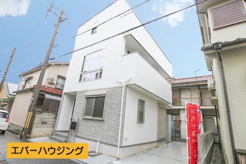 山陽電鉄「西新町」駅まで徒歩8分! JR「明石」駅まではバスで6分と交通便利な立地です。