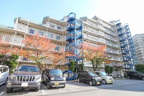 JR「土山駅」まで徒歩3分!通勤に便利な駅チカマンションです♪