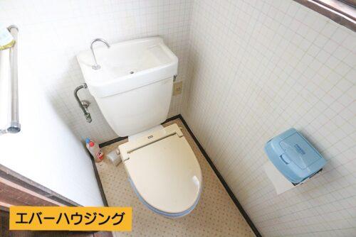 暖房便座のトイレです。 弊社にてお客様のご要望に合わせた様々なリフォームプランをご用意しております。