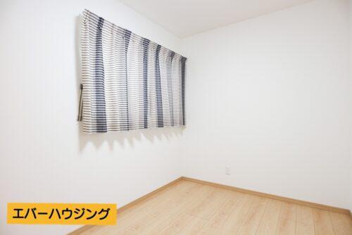 カーテンも付いています。