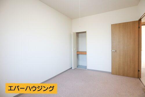 洋室6帖のお部屋です。 当店にてリフォームも可能です。お客様に合わせたプランをご提案いたします。