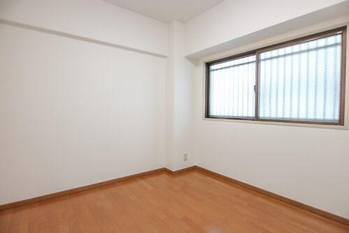 洋室4.7帖のお部屋です。現地(2021年10月)撮影