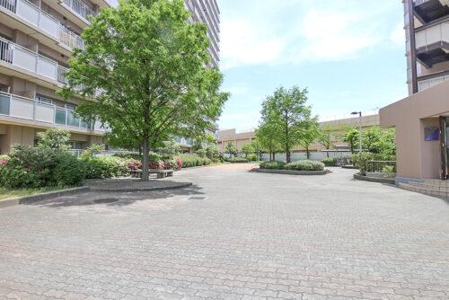 敷地内の広場です。(2021年4月27日)撮影