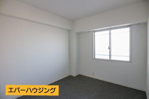 洋室5.6帖のお部屋です。 ※写真はルームクリーニング前です。