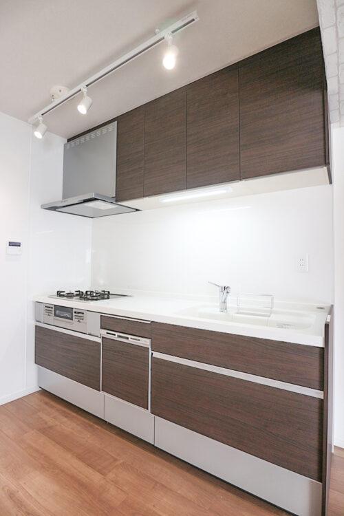 システムキッチンも新調済みです。