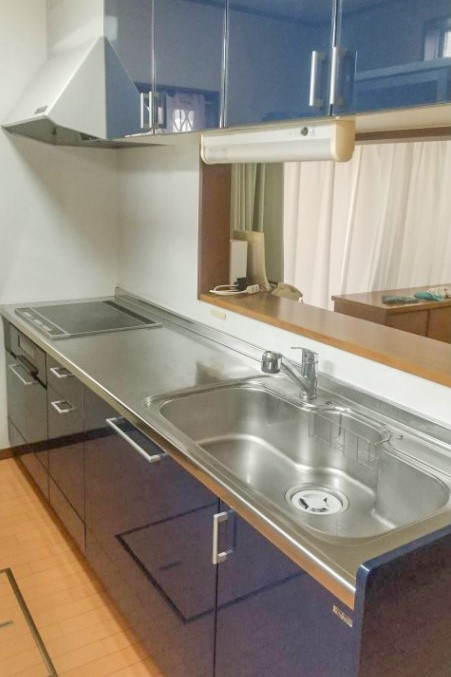 対面式のシステムキッチンです。
