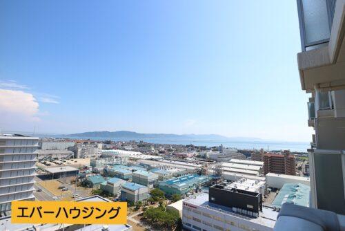 17階につき眺望良好です。海や淡路島も見えます。