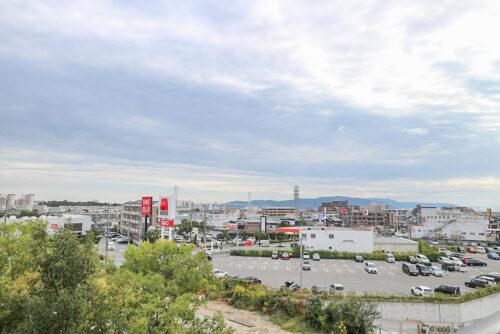バルコニーからの眺望です。現地(2021年10月)撮影