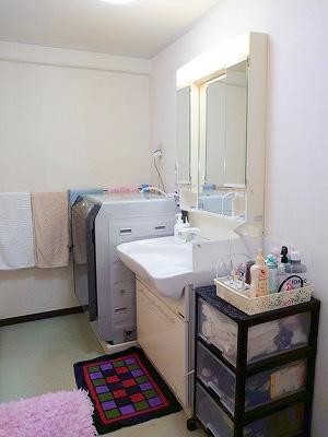 洗面化粧台です。