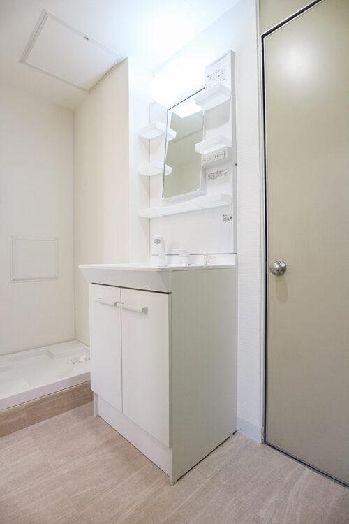 洗面台もリフォームにて新調済みです。(2021年5月10日)撮影