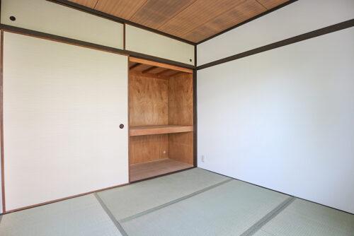 北側の和室4.5帖のお部屋です。和室の畳は全て貼り替え済みです。(2021年5月10日)撮影