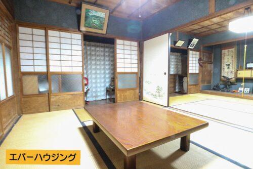 和室は間仕切りを開けると広々と使用できます。