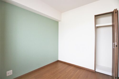 洋室4.2帖のお部屋です。