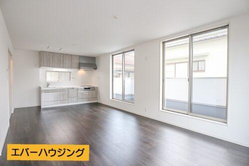 リビングは2階にあり、陽当たりも十分♪ LDK16帖と余裕のある広さです。