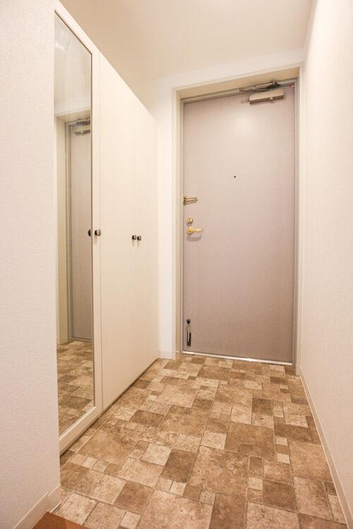 玄関スペース。シューズボックスも完備。