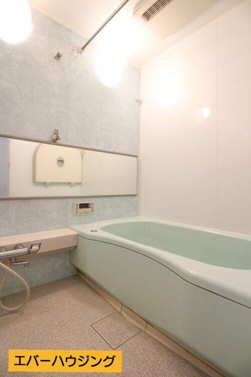浴室です。 ※写真はルームクリーニング前です。