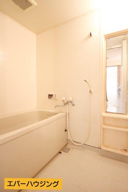 バスルームです。 当店にてリフォームも可能です。お客様に合わせたプランをご提案いたします。
