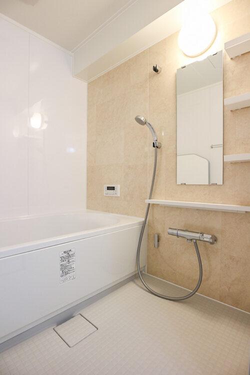 ユニットバスもリフォームにて新調済みです。1416サイズの浴槽です。