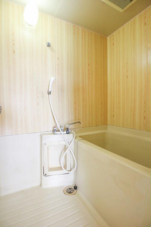 浴室です。弊社にてリフォームも可能です。お気軽にご相談下さい。