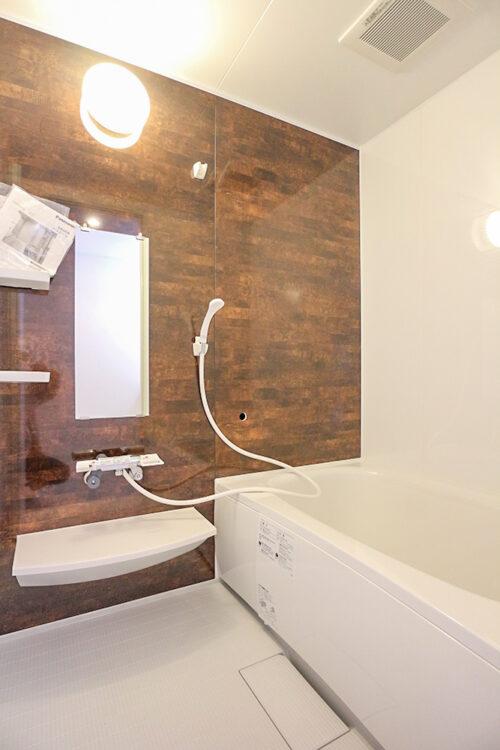 浴室は新品交換済みです。(2021年4月23日)撮影