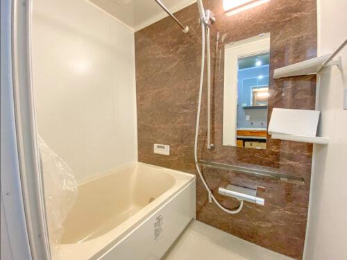 浴室には浴室乾燥機付きです。