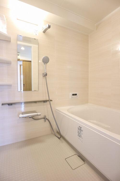 浴室もリフォームにて新調済みです。現地(2021年9月)撮影