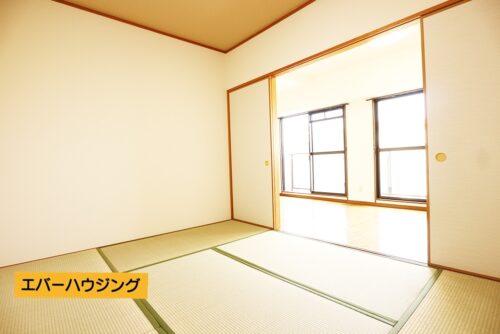 和室6畳のお部屋。リビングと間仕切ることができます。