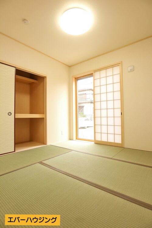 和室はそれぞれ4.5帖です。押し入れ収納もございます。