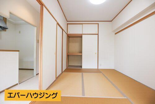和室6帖のお部屋です。お子様の遊び場としても安全に使える畳のお部屋。