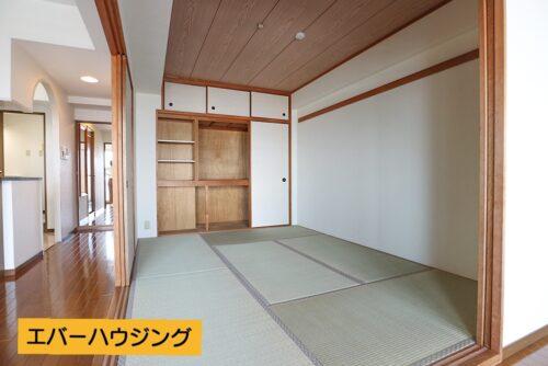 和室6帖のお部屋です。 リフォームで畳表替え、襖貼り替え済みです。