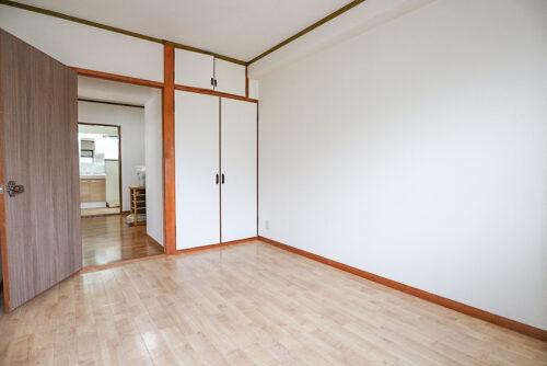 洋室6帖のお部屋です。(2021年5月16日)撮影