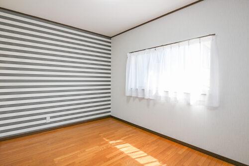 南側の洋室6帖のお部屋です。現地(2021年4月20日)撮影
