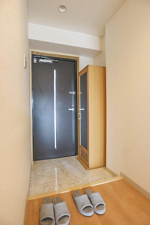 玄関スペースも広々!シューズボックスも新調しています。