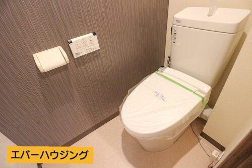 洗浄機能付きトイレです。新調済みです。