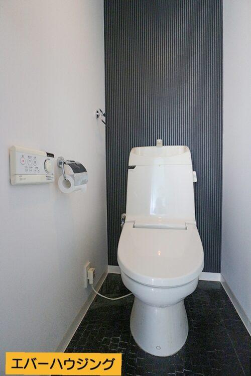 洗浄機能付きのトイレです。 ※写真はルームクリーニング前です。
