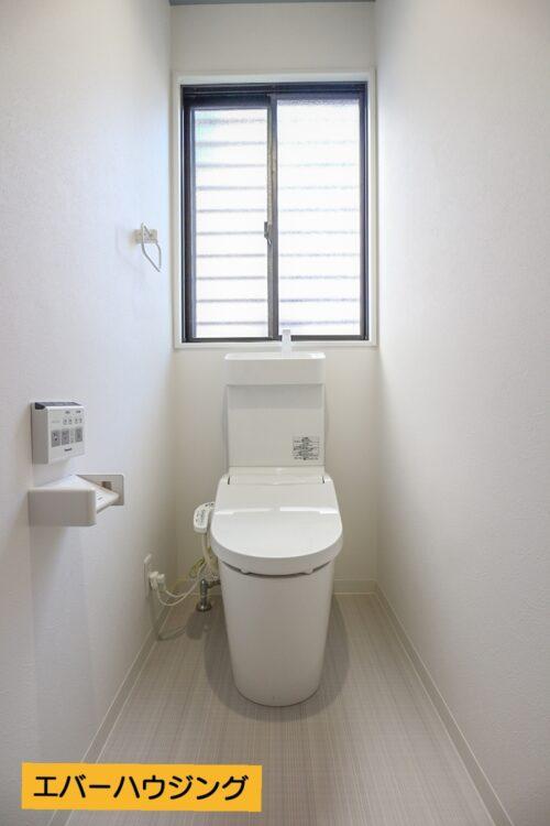 洗浄機能付きトイレ新調済みです。 クロスも全て貼り替え済みです。