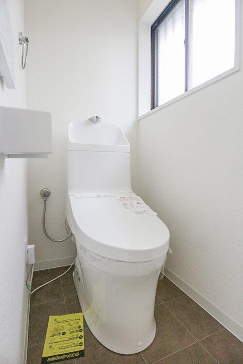 トイレは1階も2階も新調済みです。