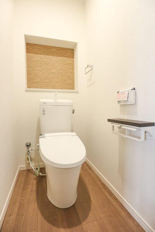 洗浄機能付きトイレです。