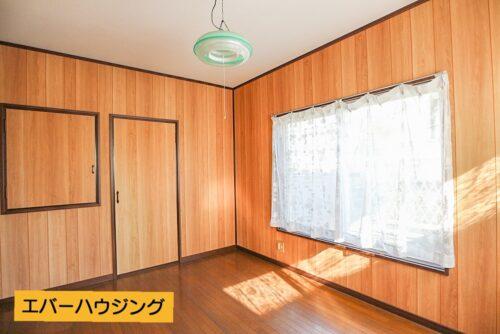 2階の洋室6帖のお部屋です。2面採光ございます。