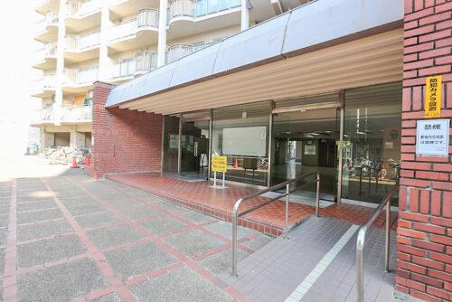 建物入口です。(2021年6月)撮影