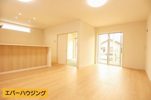 ナチュラルな内装なので、お部屋の家具を合わせやすいです。