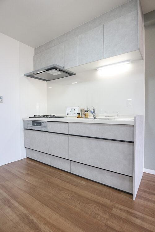 システムキッチン新調済みです。現地(2021年9月)撮影